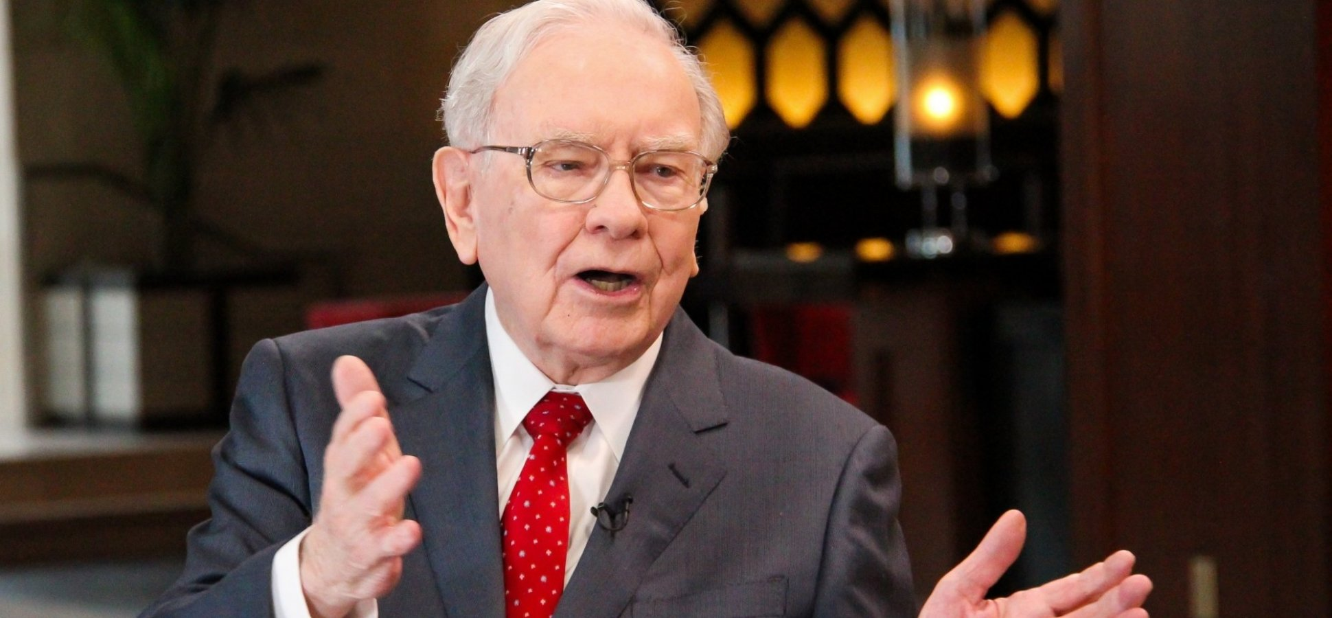 Warren Buffett Says You Should Ask This 1 Question to Become the Best Version of Yourself