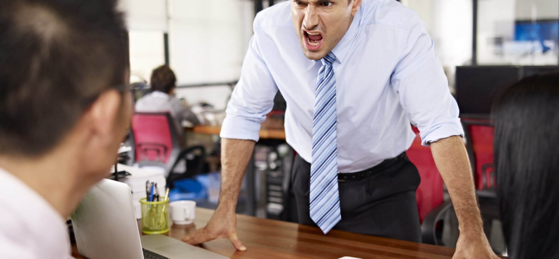 5 Ways Bad Bosses Demotivate People