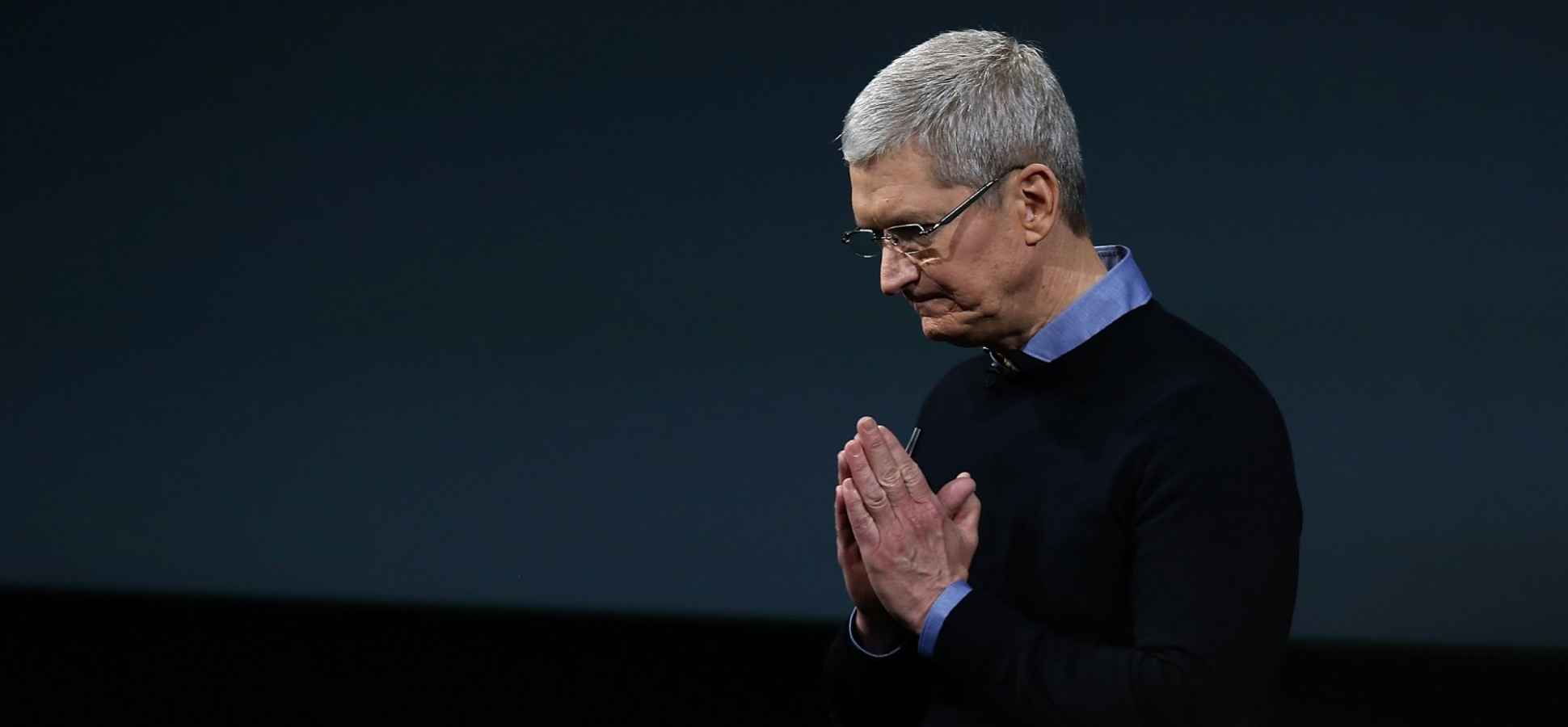 Sorry, Tim Cook, but No One Likes the Apple Watch and Here's Why
