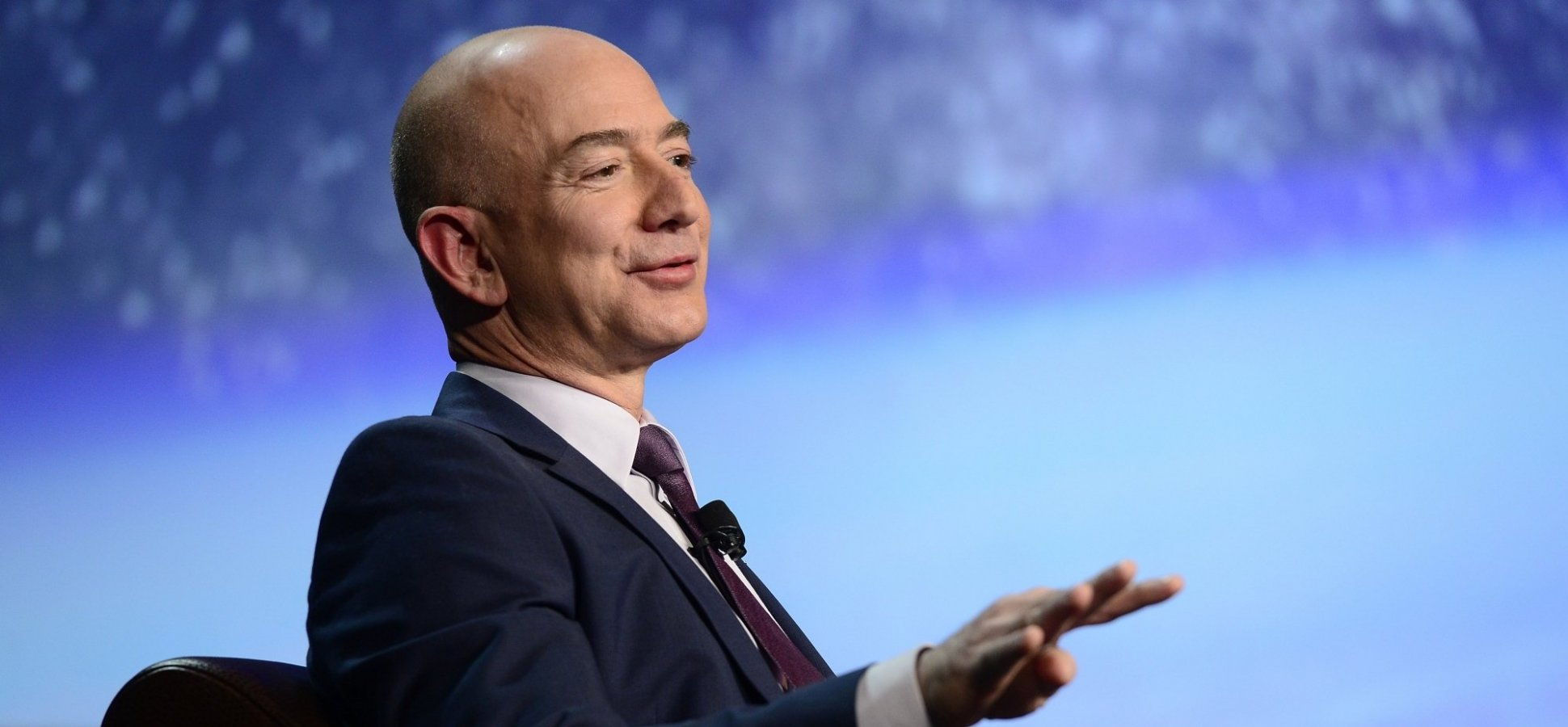 Jeff Bezos Knows How to Run a Meeting. Here's How He Does It