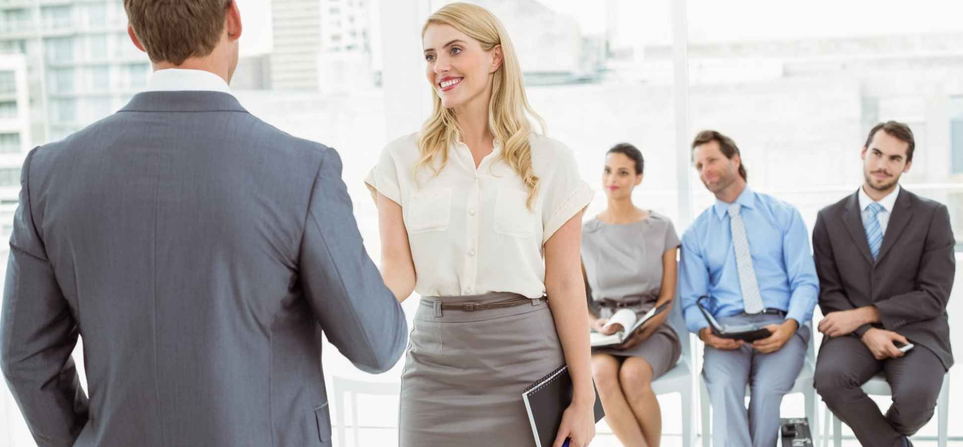 How to Dress for a Job Interview Outfit (and Make a Good Impression)