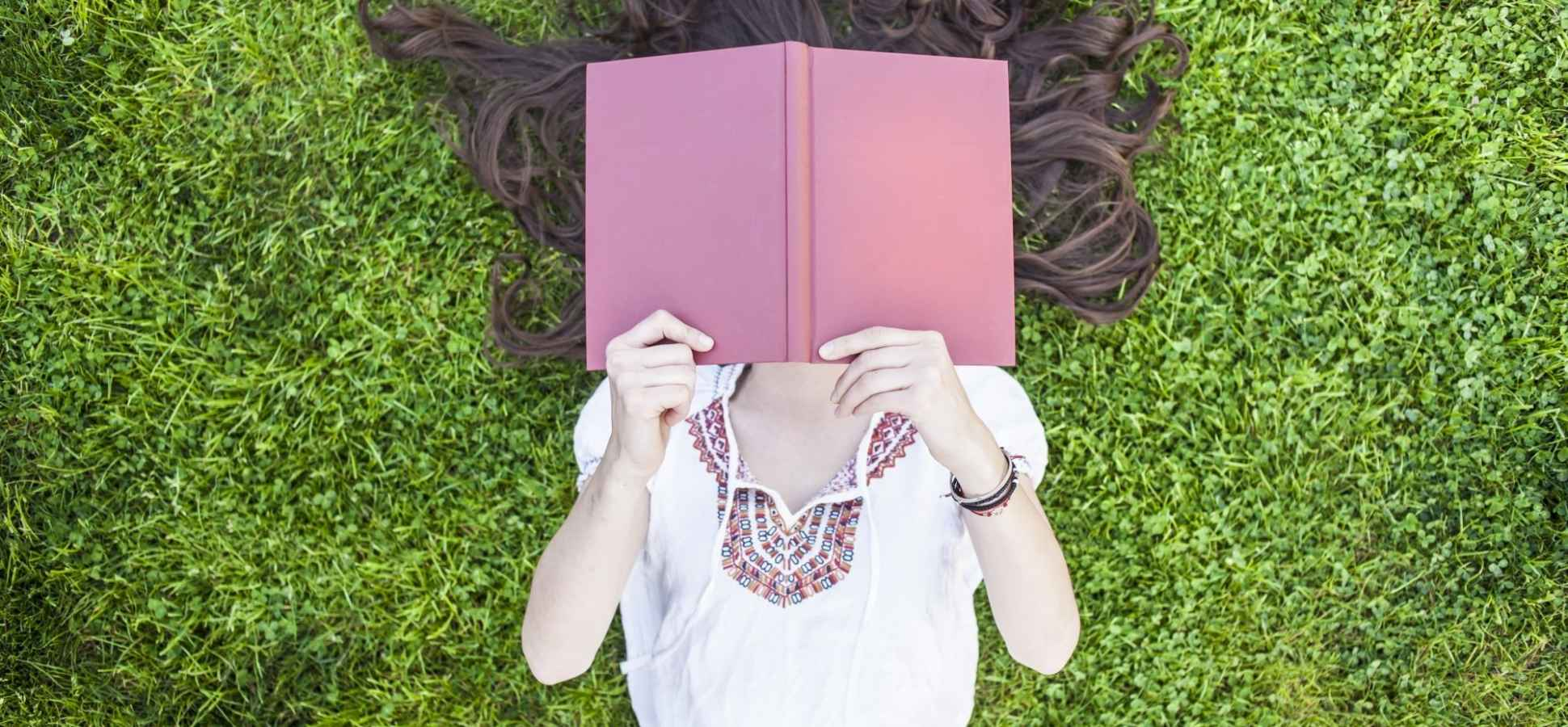 10 Books Everyone Should Read Before They Turn 30