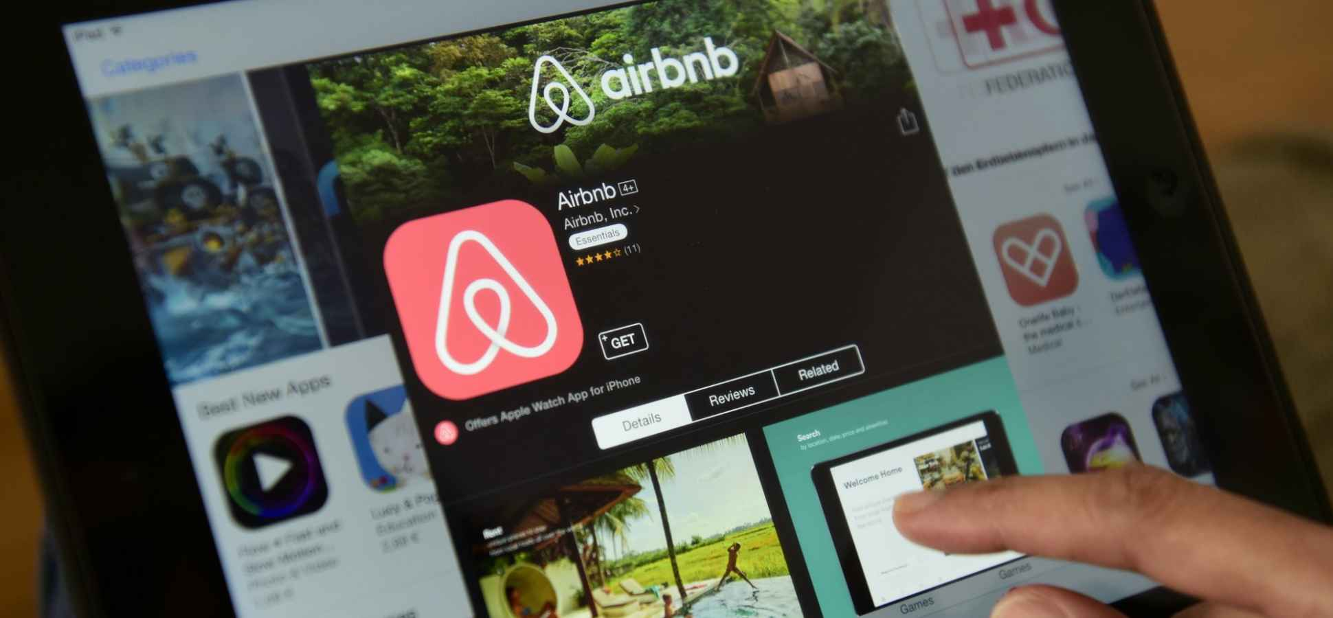 Airbnb books 1 million guests Memorial Day weekend. Here's how they did it.
