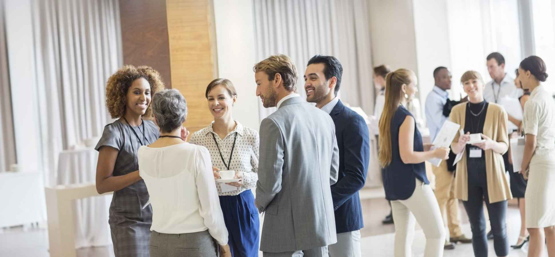 9 Smart Habits of Highly Effective Networkers