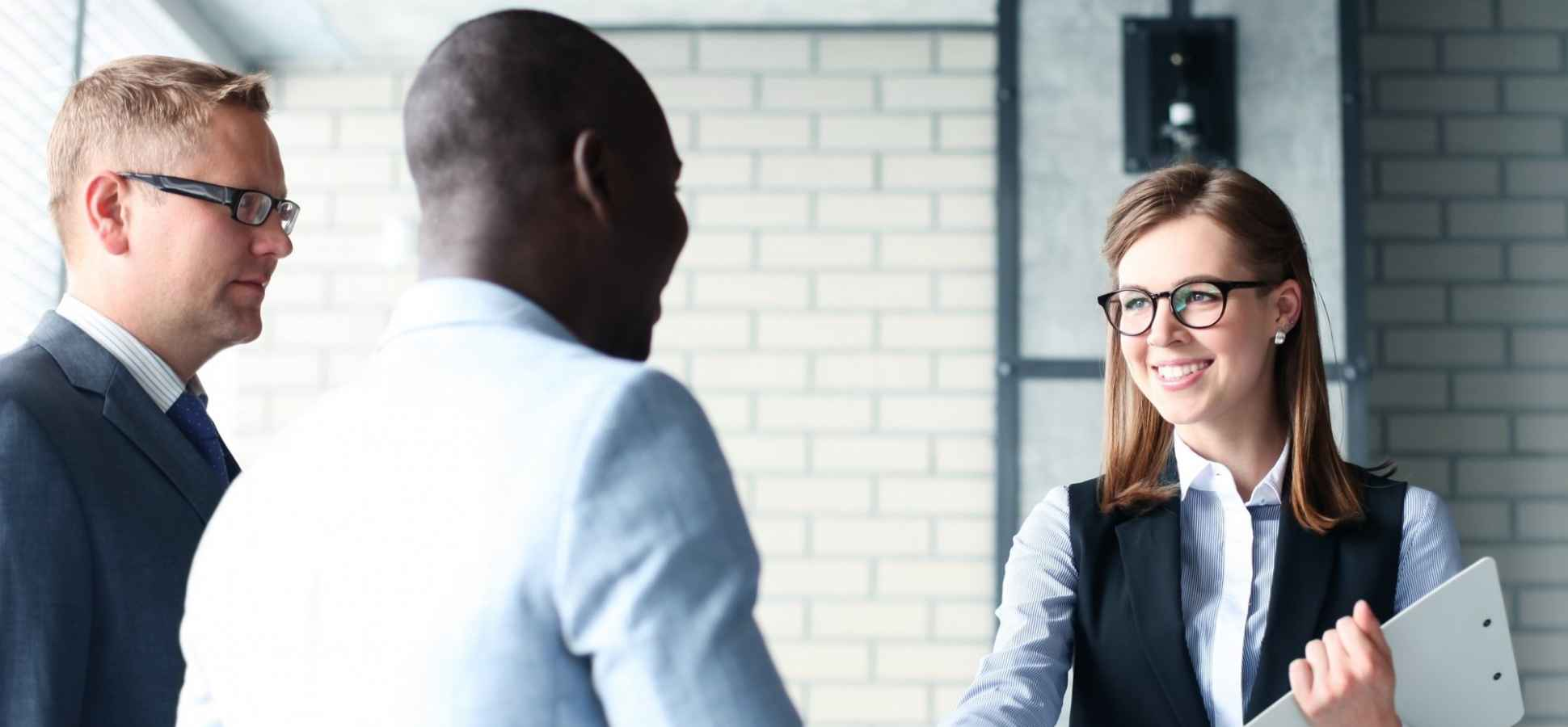 4 Necessary Steps to Land Your First Client