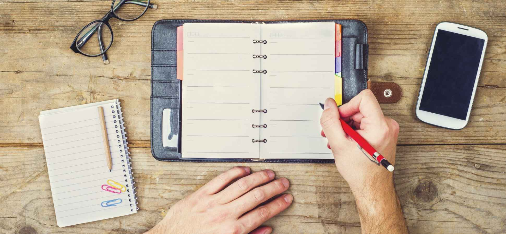 Set Yourself Up for a Successful Week With This 15-Minute Checklist