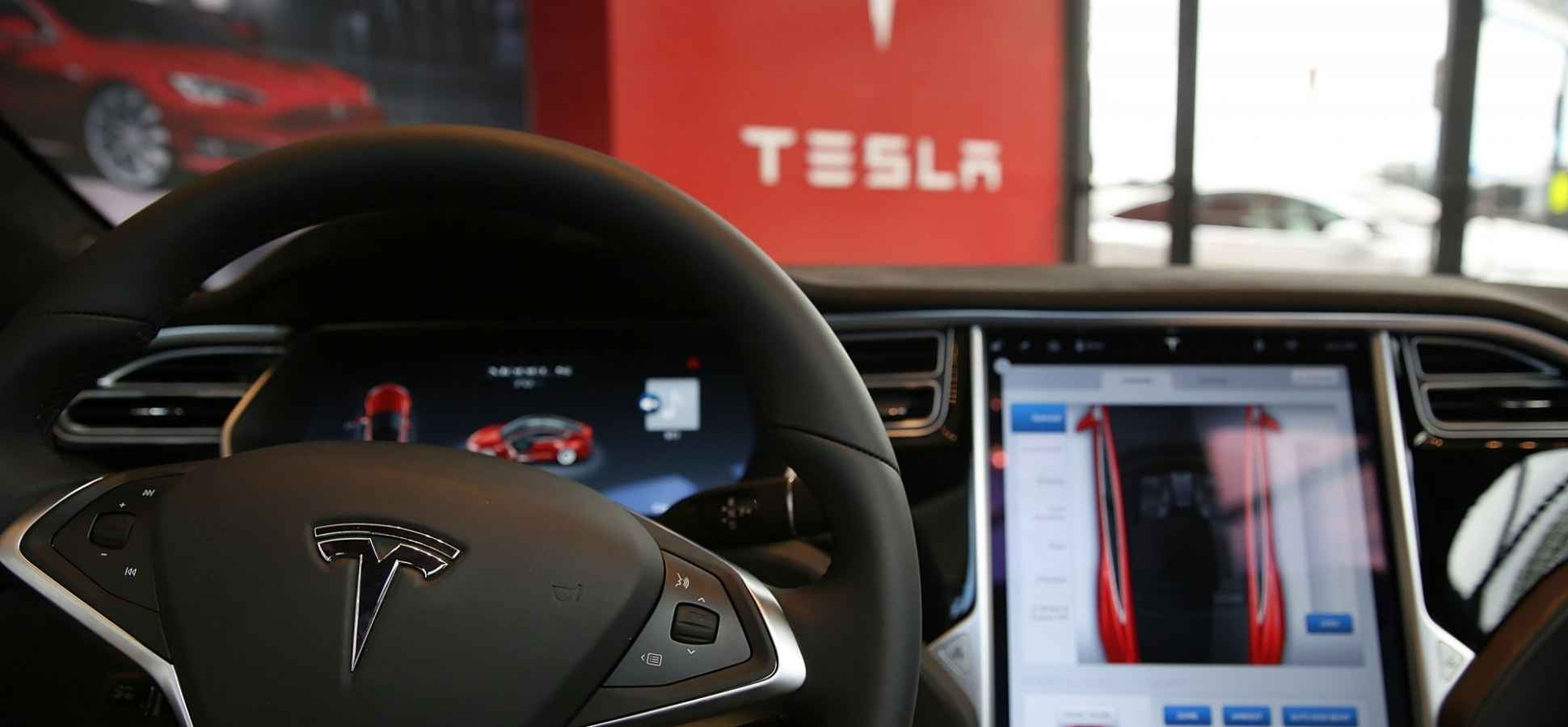 Chinese Hackers Take Control of a Tesla From 12 Miles Away (Most Cars Are Probably Vulnerable)