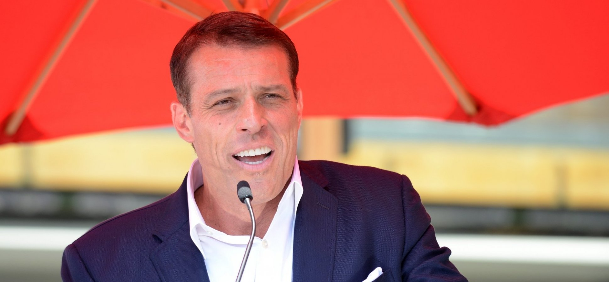 Tony Robbins' Apology to the #MeToo Movement Is a Brilliant Lesson in Emotional Intelligence