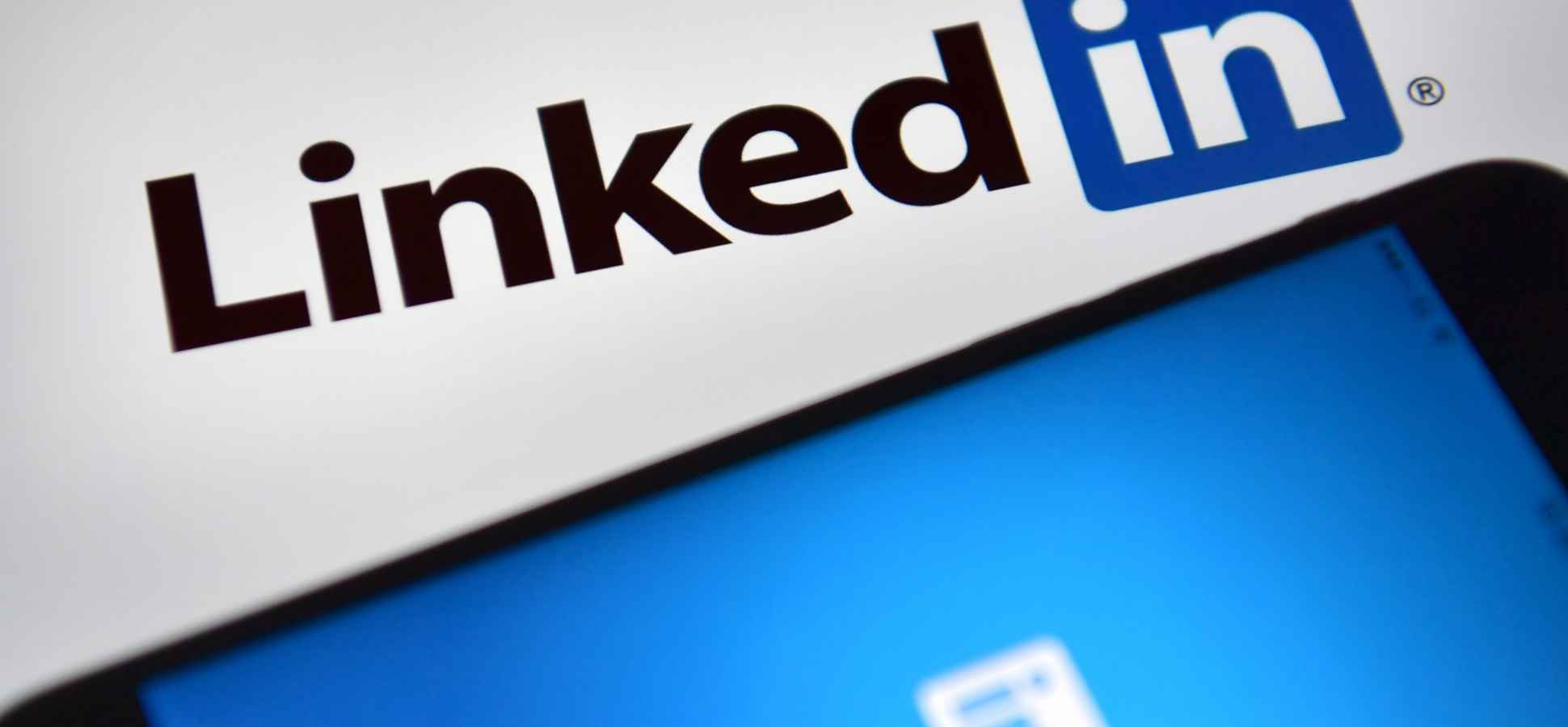 The 1 Sentence That Will Make (or Break) Your LinkedIn Profile