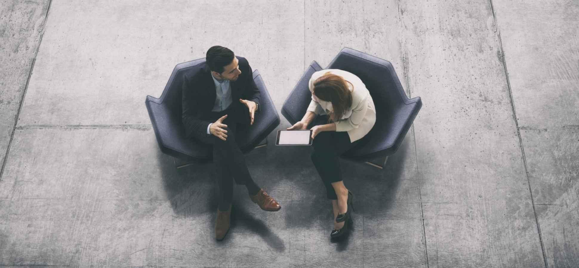 4 Powerful Body Language Habits of Confident People