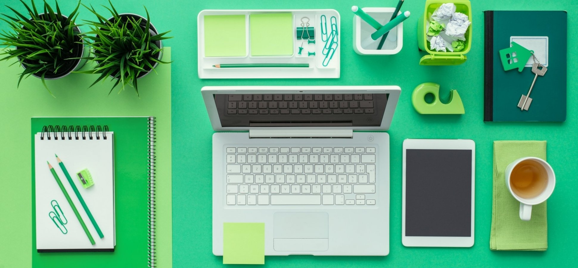 Decluttering Help: How to Clear Your Desk and Increase Your Productivity