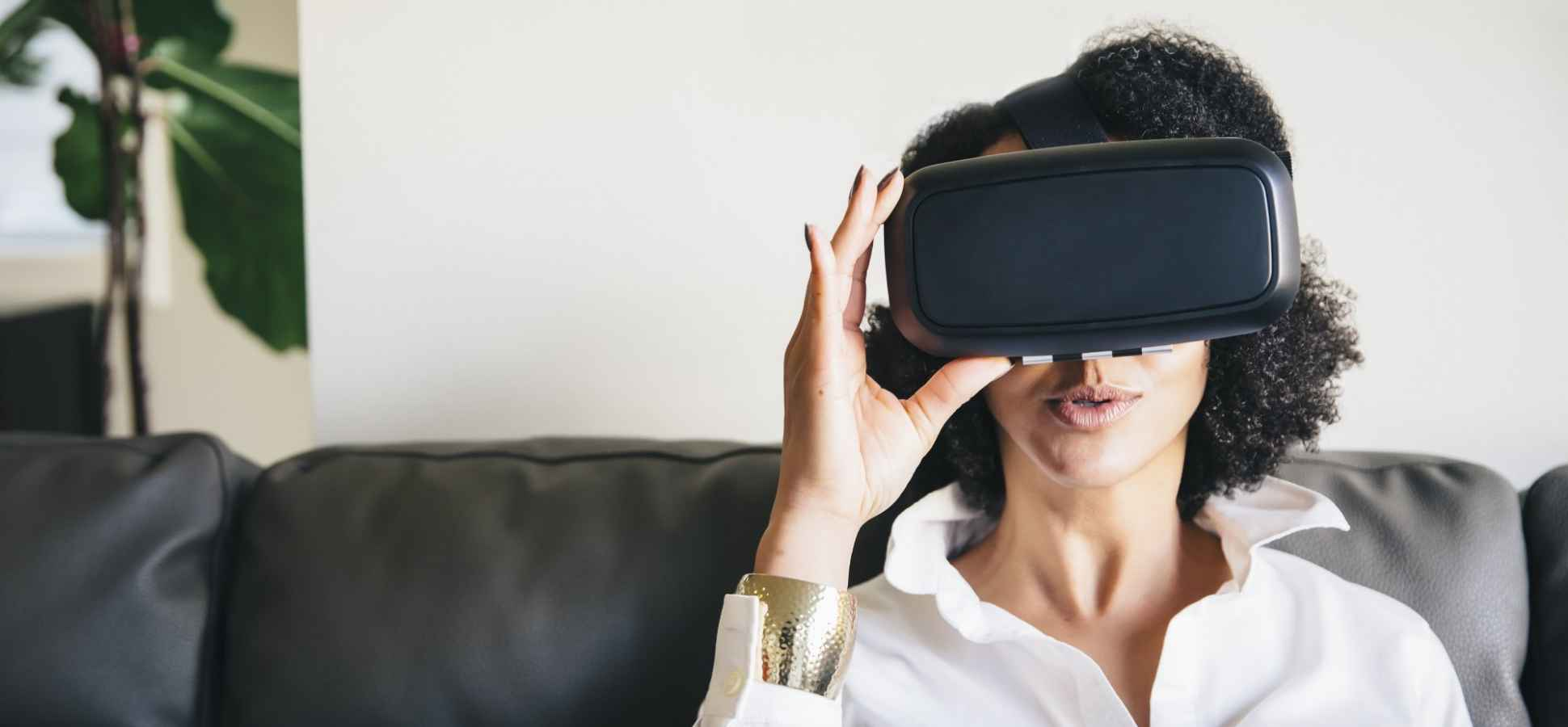 How Virtual Reality and Augmented Reality are Revolutionizing Digital Marketing