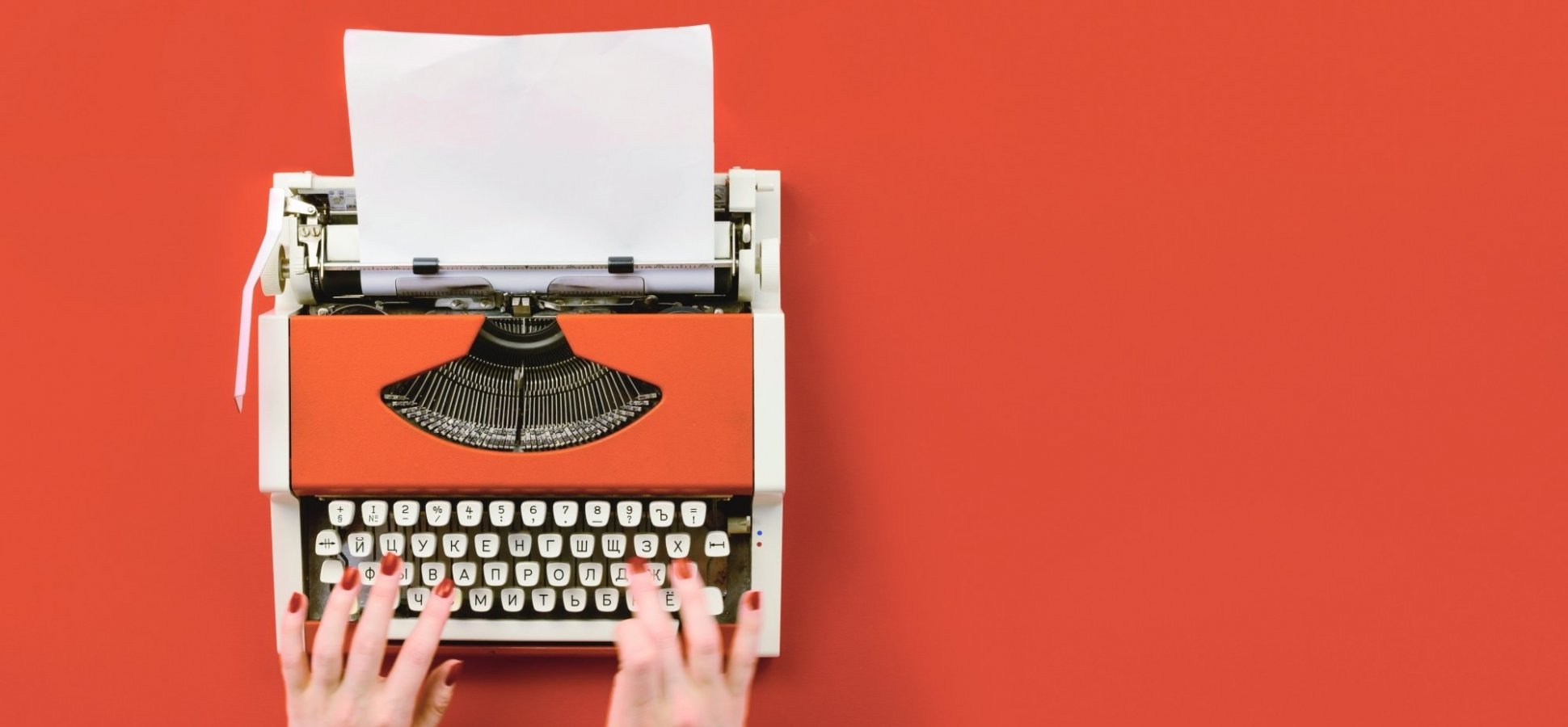 Want to Become an Expert Copywriter? Start With These 5 Books and Online Courses