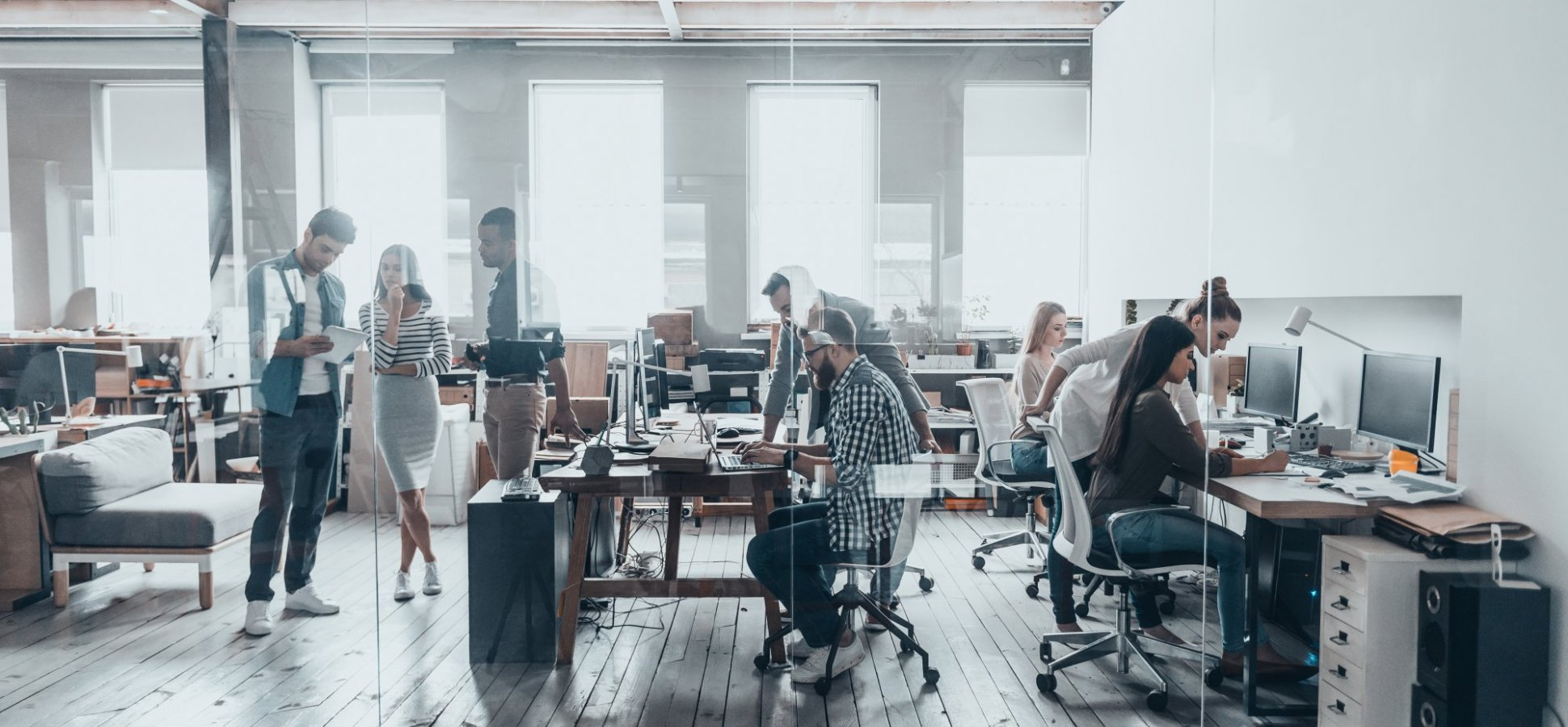 These Are the Pros and Cons of the Corporate World vs. the Startup Life