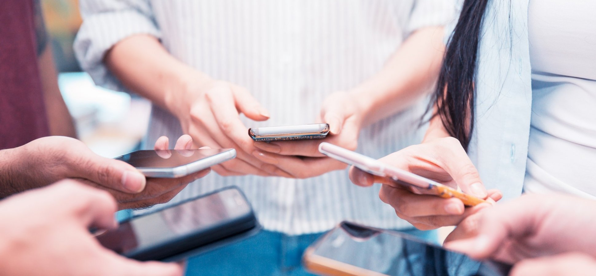 How Texting Job Candidates Can Help Your Team Hire Top Talent Sooner