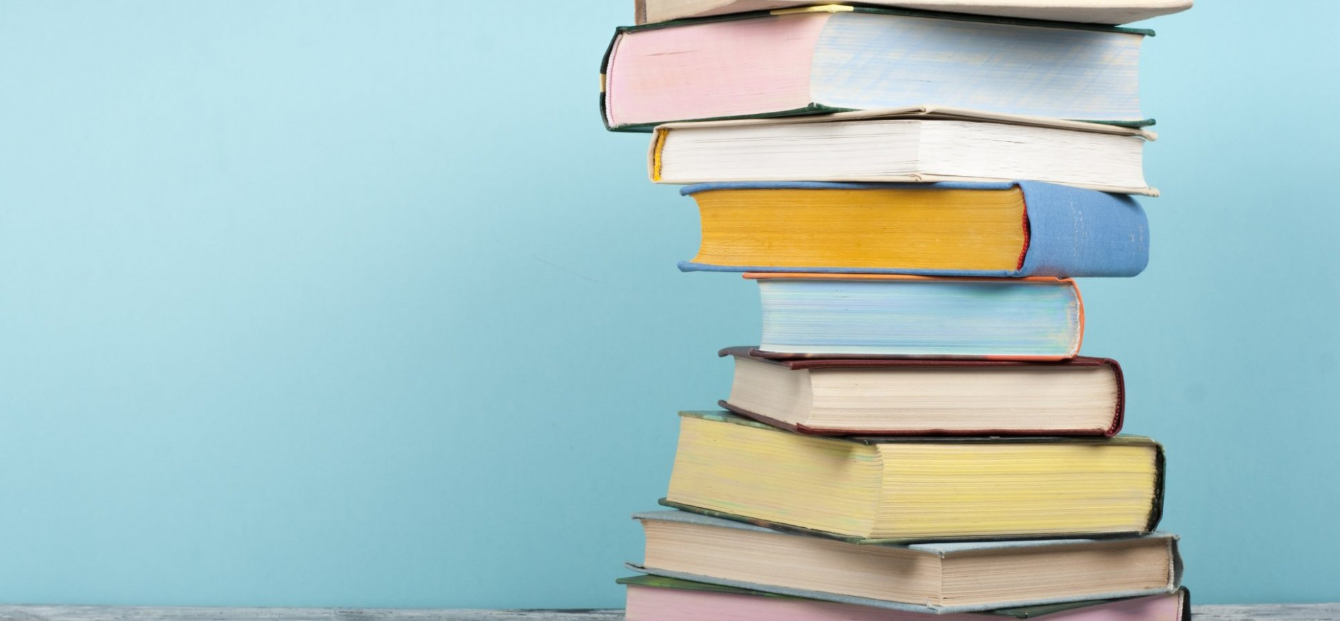 6 Books Every Employee Should Read to Contribute to Company Growth