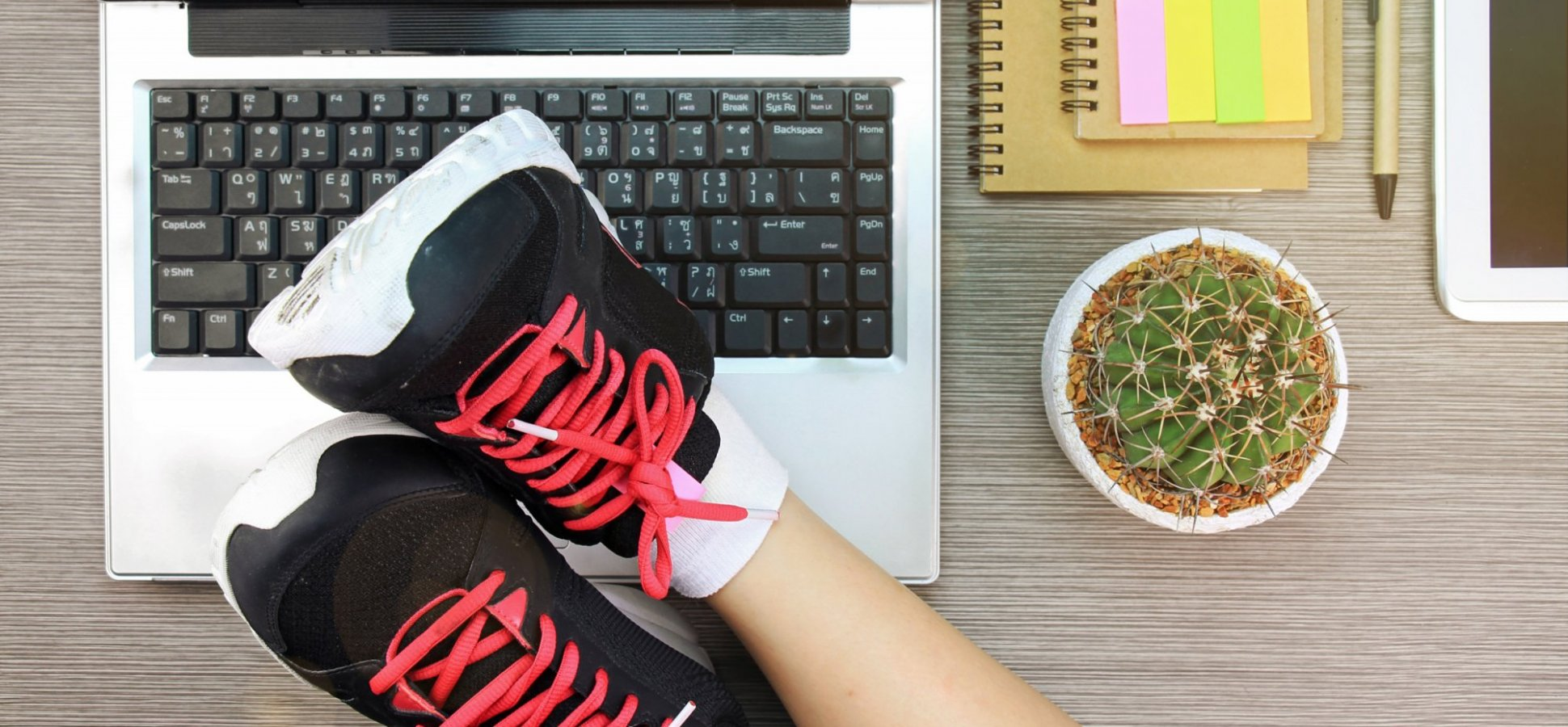 The 11-Minute Workout You Can do at Work so You Don't Have to go to the Gym