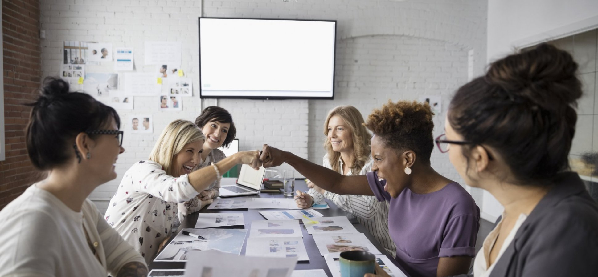Women Need to Network Differently Than Men to Be Successful, New Study Says