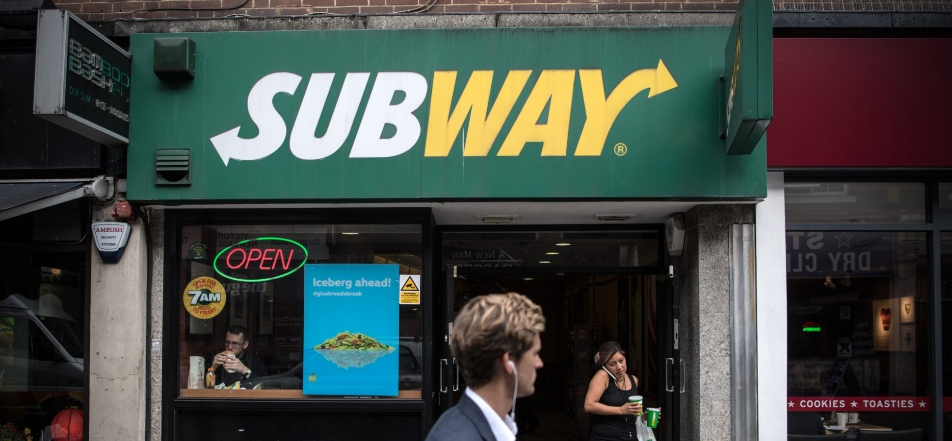 A Subway Employee Called 911 on a Black Family Using the Bathroom. What the Owner Did Next Is Exactly Right