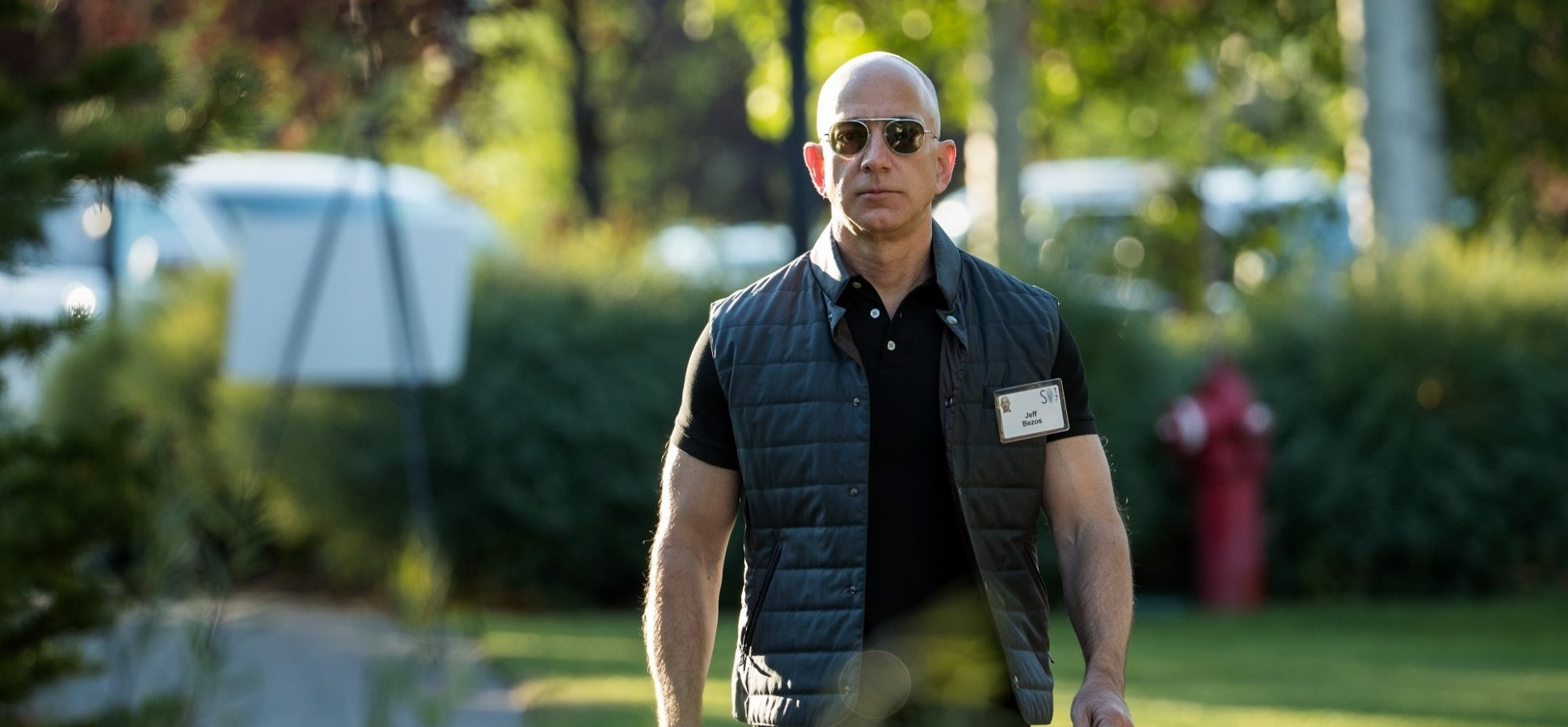 Jeff Bezos Says Ask Yourself These Remarkably Powerful Questions to Be Super Successful and Happy