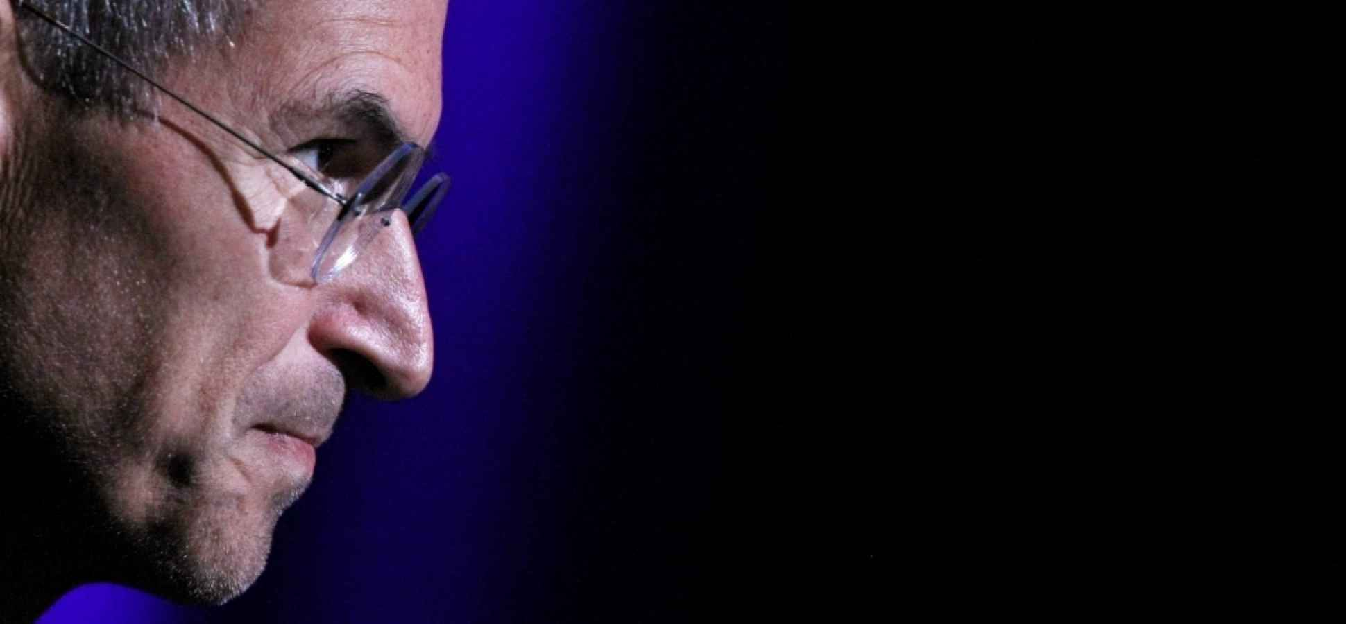 How to Be Exceptionally Persuasive: 9 Ways to Tap Your Inner Steve Jobs