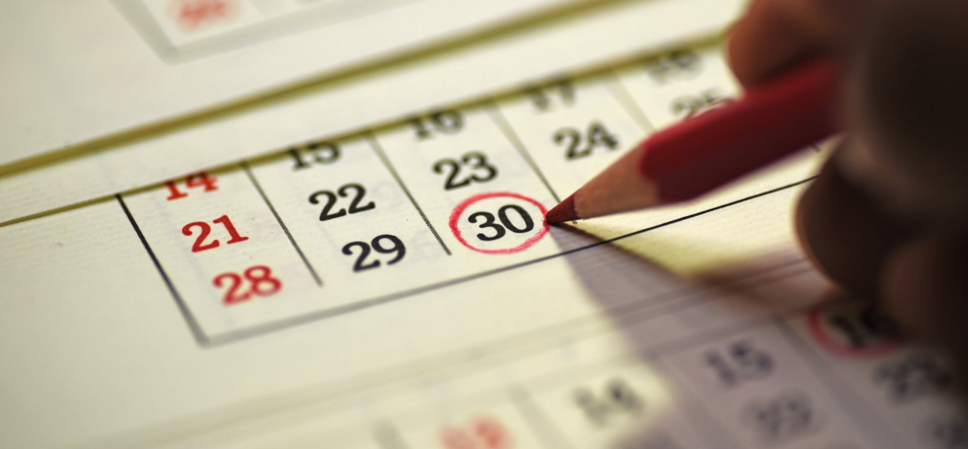 30 Days to a Better Work-Life Balance: Will You Accept the Challenge? (It Will Change Your Life)