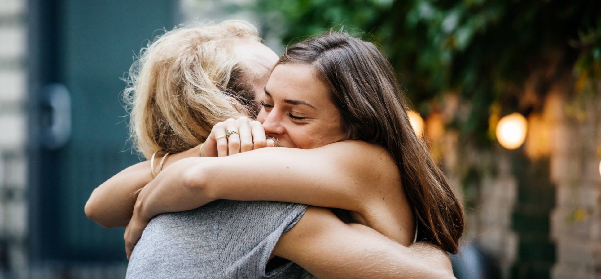 Kindness Doesn't Just Make You Healthier, It Can Actually Slow Aging, New Research Shows