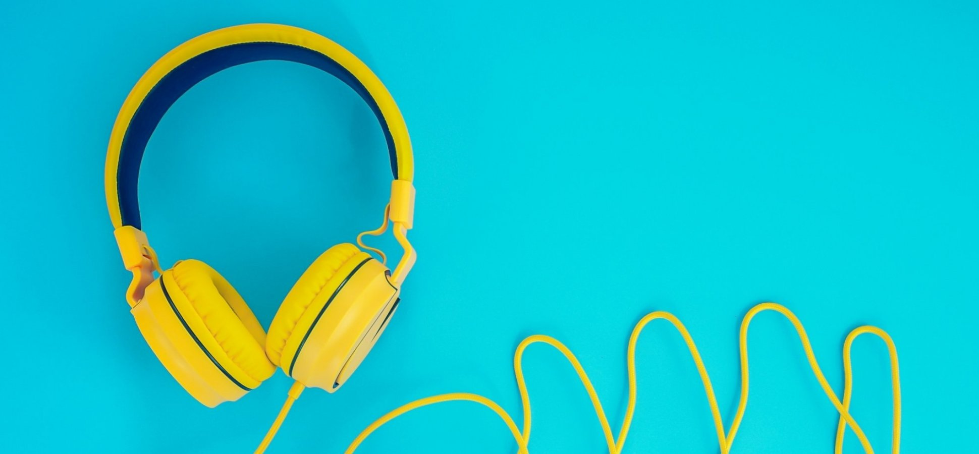 5 Great Podcasts You Should Start Listening to Right Now