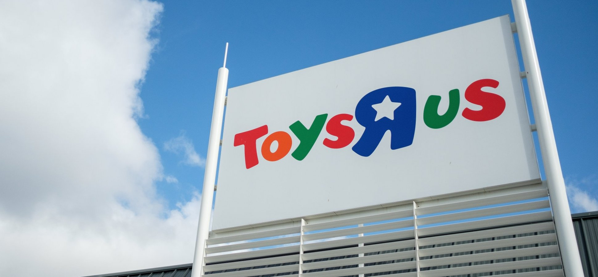 Toys 'R' Us Just Literally Came Back From the Dead. Here's the Ridiculously Ironic Detail You Couldn't Make Up If You Tried