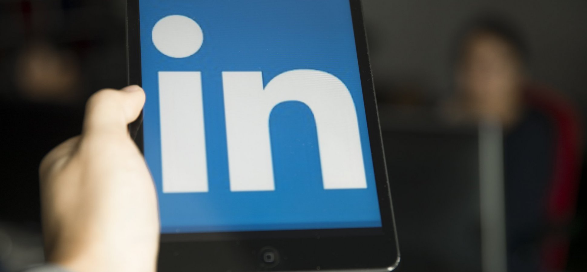 Build Your LinkedIn Business Page Now in 8 Easy Steps