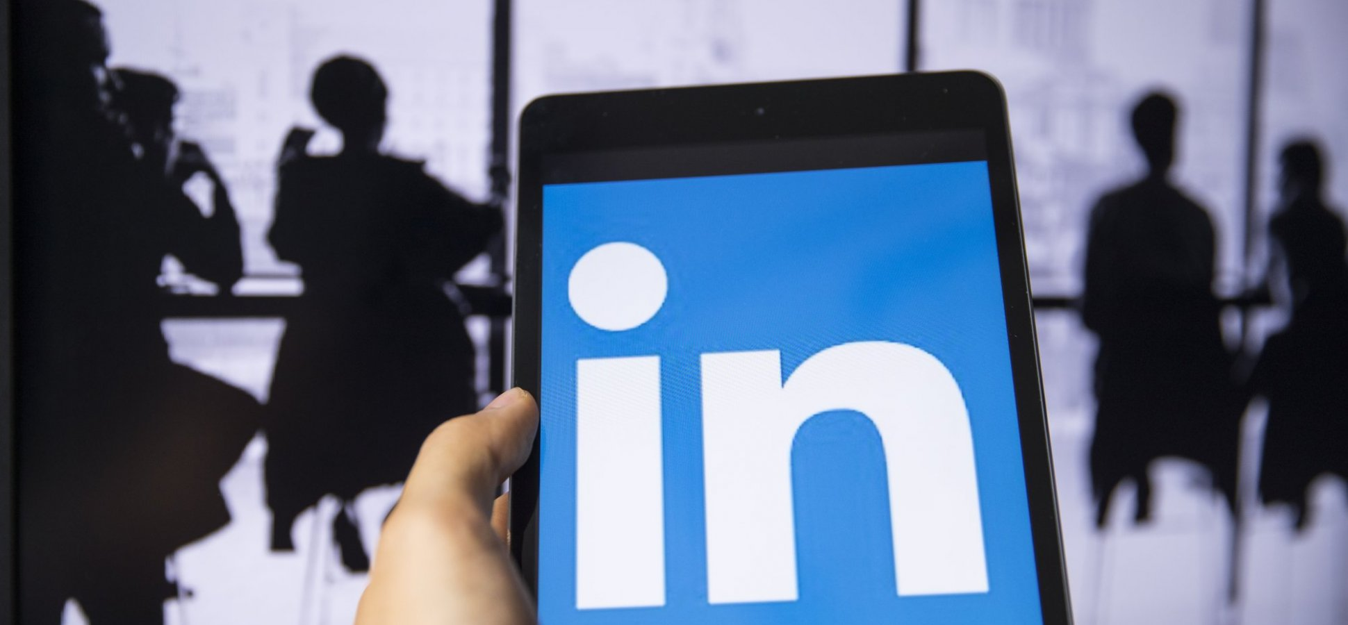 2 Ways to Start Off the Year Using LinkedIn to Generate More Sales Leads