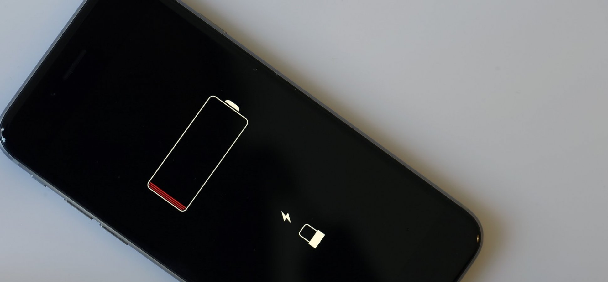 Here's The Real Reason Apple Doesn't Want You to Replace the Battery in Your iPhone on Your Own