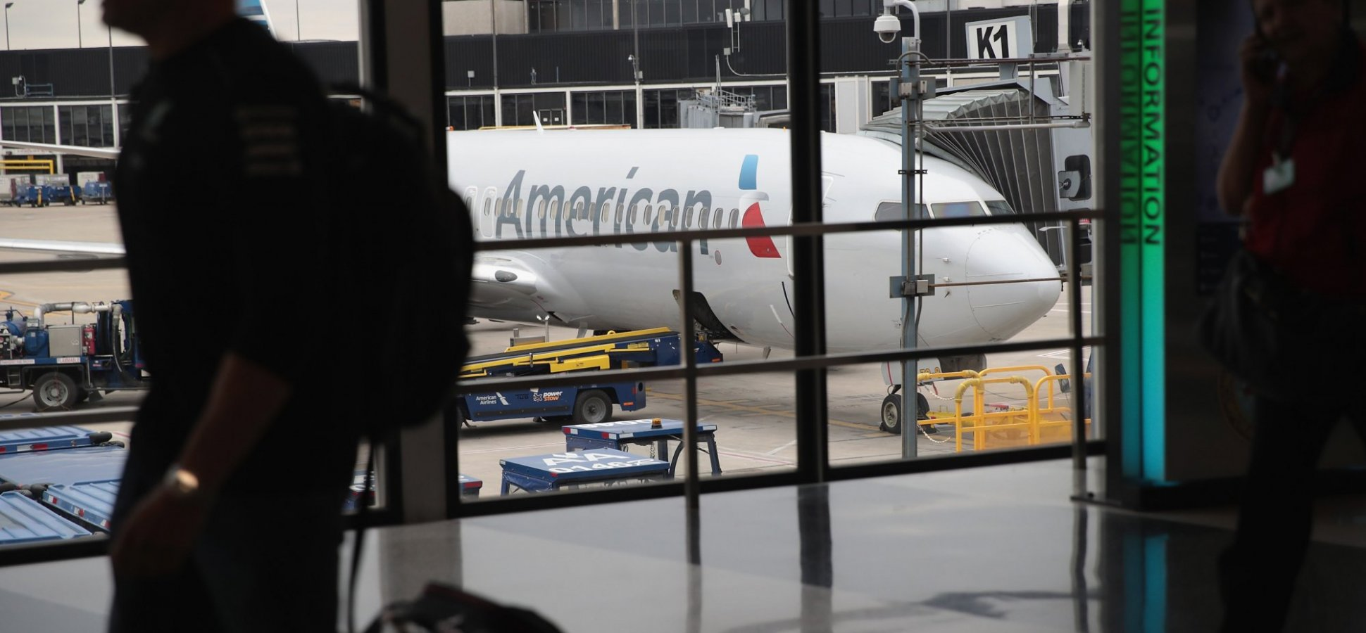 89ea5370f27c Angry American Airlines Employees Say the Airline is Transporting Migrant  Children Separated From Parents