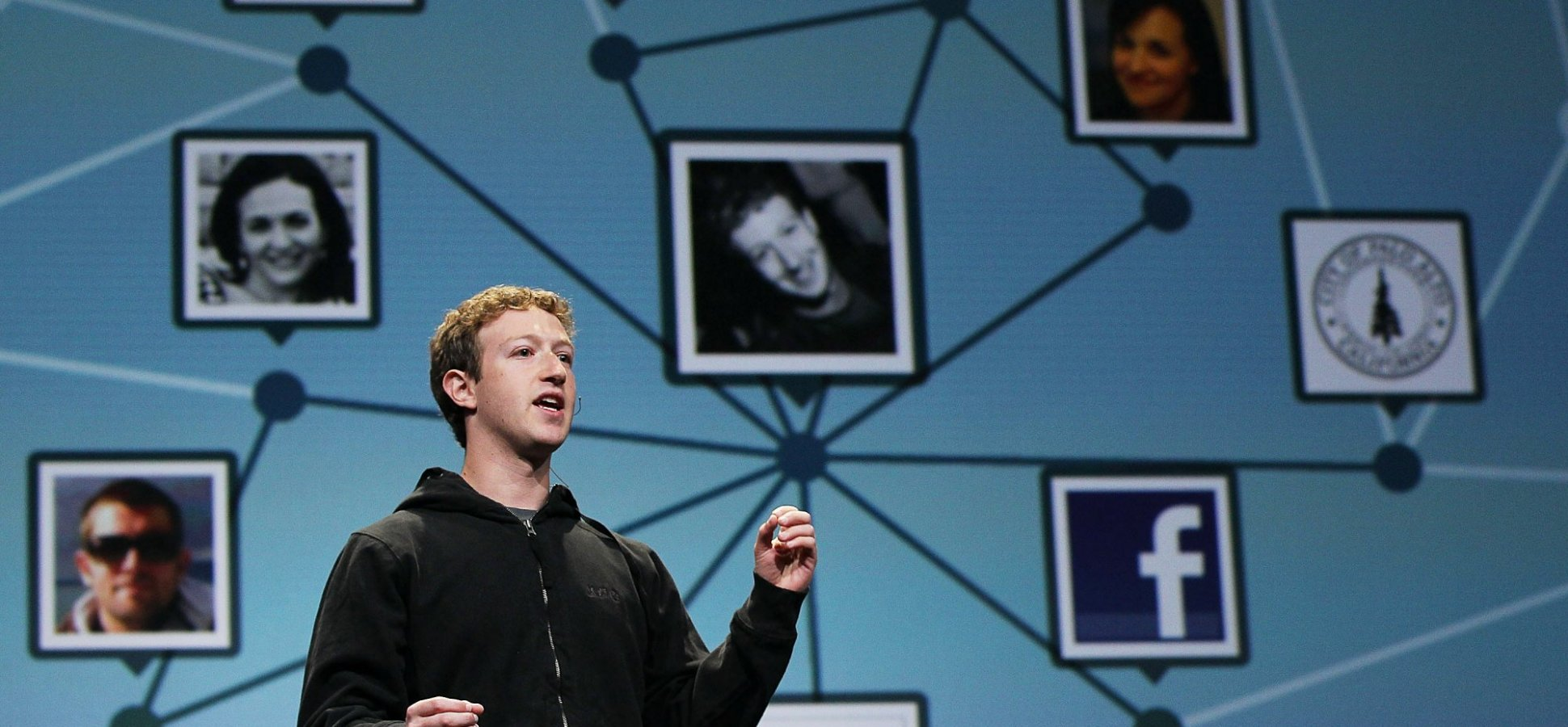 Teens Are Leaving Facebook in Droves for This Way-Cooler App