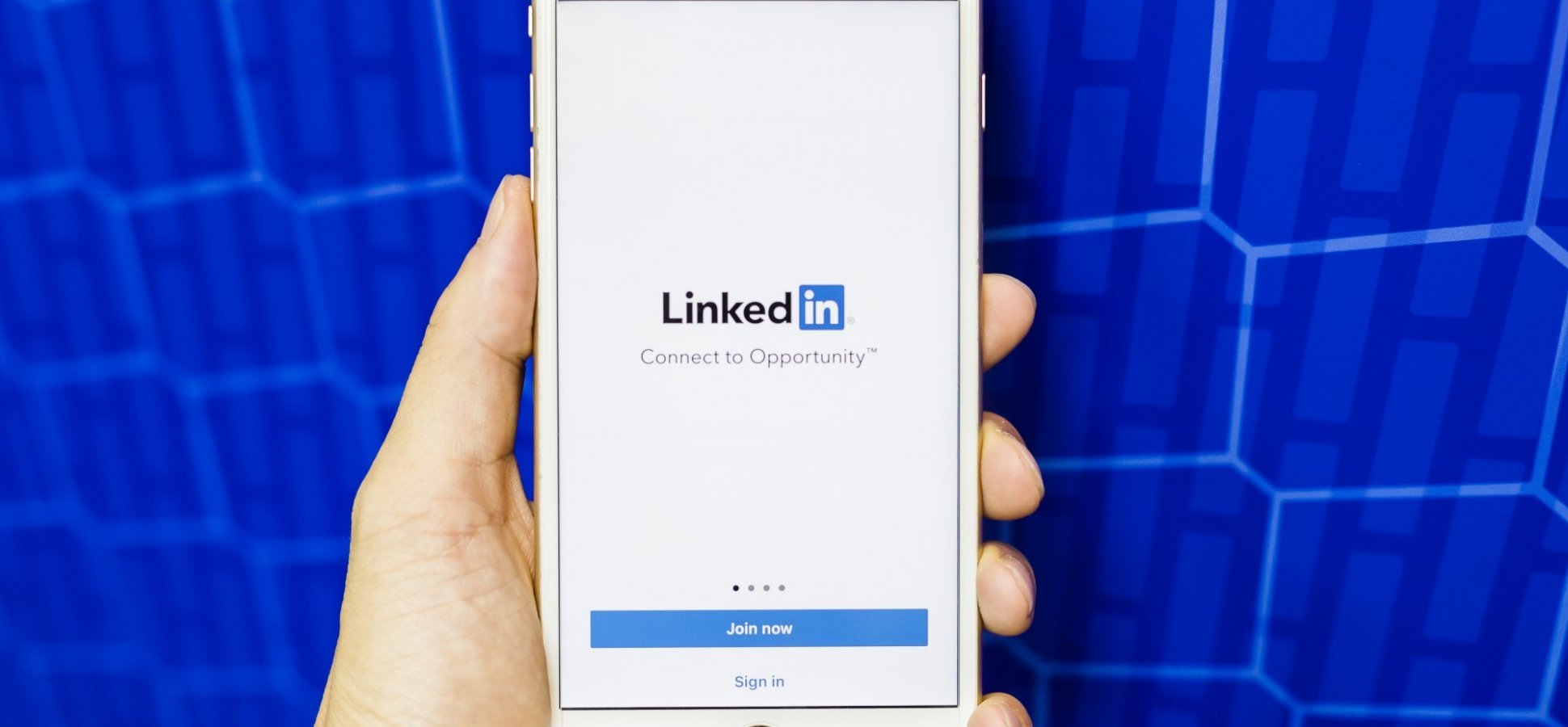 Elevate Your 2019 LinkedIn Profile in 5 Easy Steps