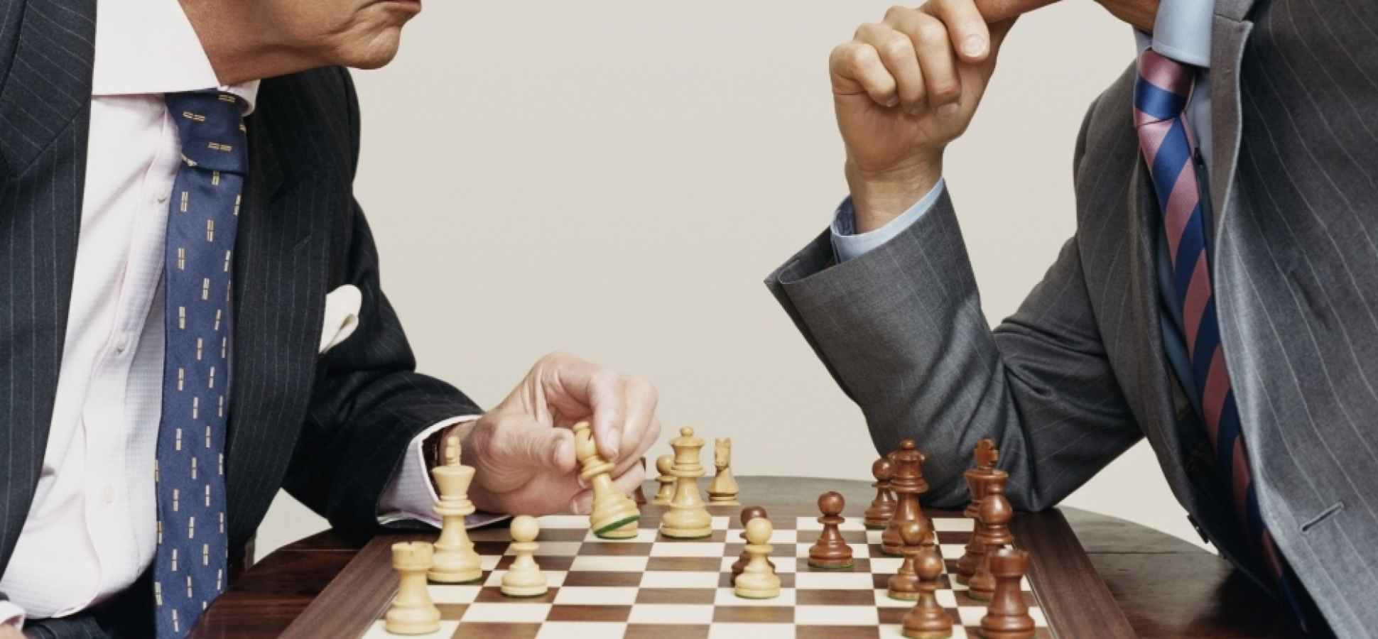 Business Negotiation 101: When to Fight, When to Compromise, and When to Go for Broke