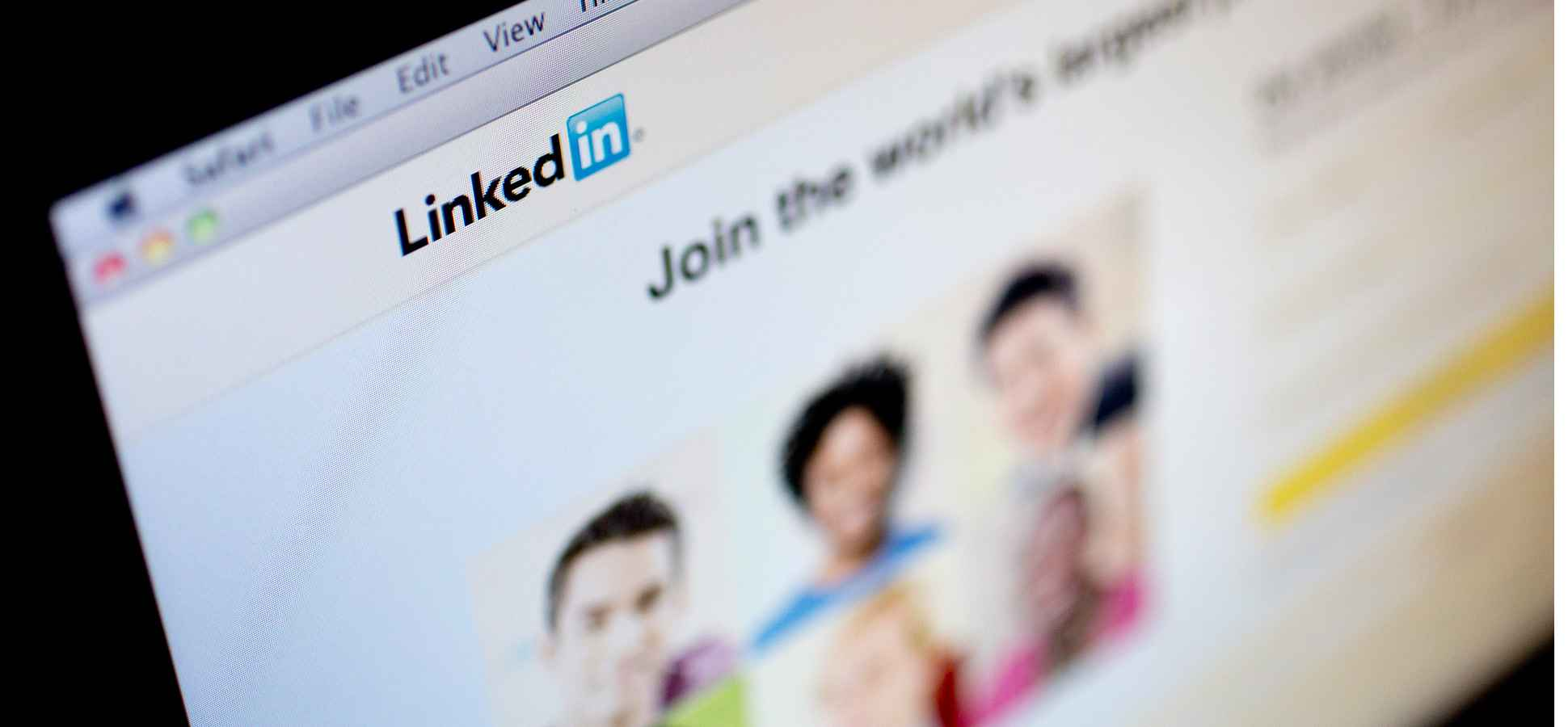 Win New Customers With LinkedIn: 4 Tips