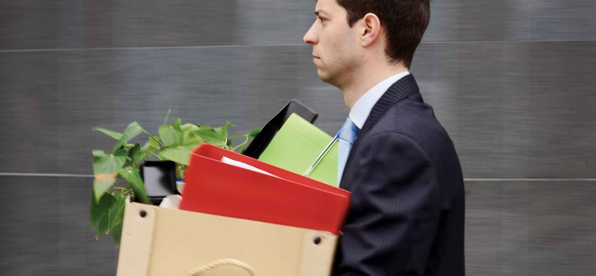 Should You Quit Your Day Job? Study Says No