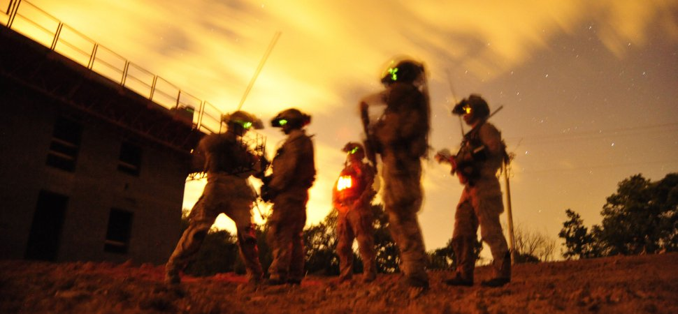 Four Navy SEAL Tactics to Think Clearly in a Crisis