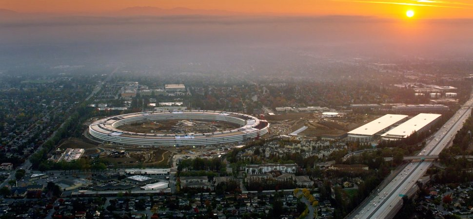 New apple office cupertino Progress Apples New Headquarters In Cupertino California Inccom The Designer Of Apples New Headquarters Explains How He Brought