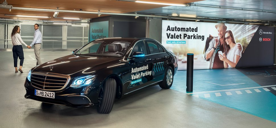 Daimler and bosch unveil automated valet parking for Self auto niortais garage automobiles niort