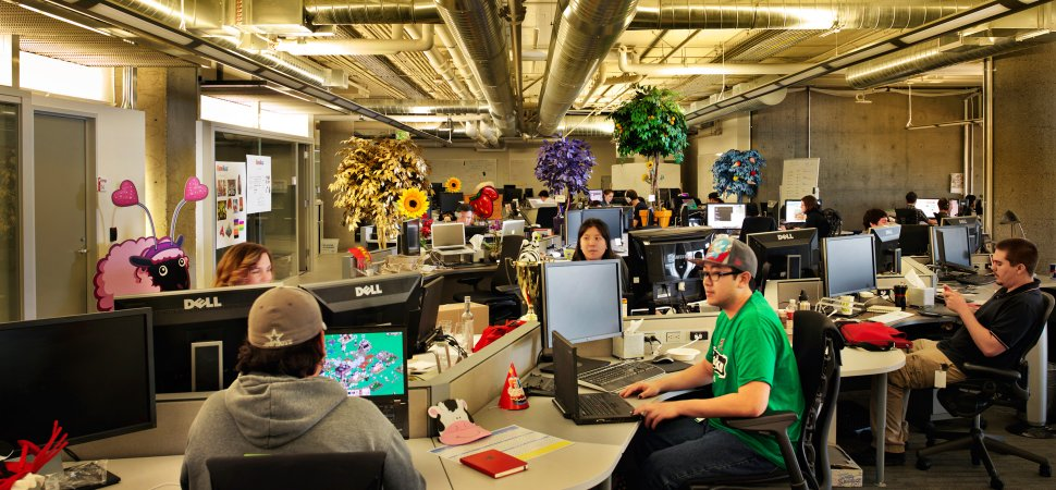3 decisions that lead to an open culture for Zappos office design