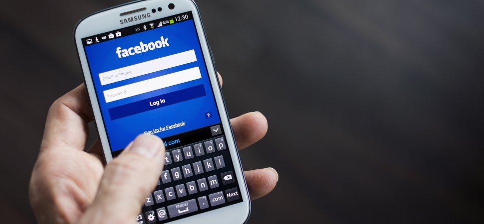 Facebook Launches Mobile Messaging App Slingshot   Inc com