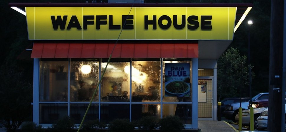 A Waffle House Employee Realized He Had Too Many Customers. The Solution Was Truly Unexpected (and Says a Lot About the Brand)