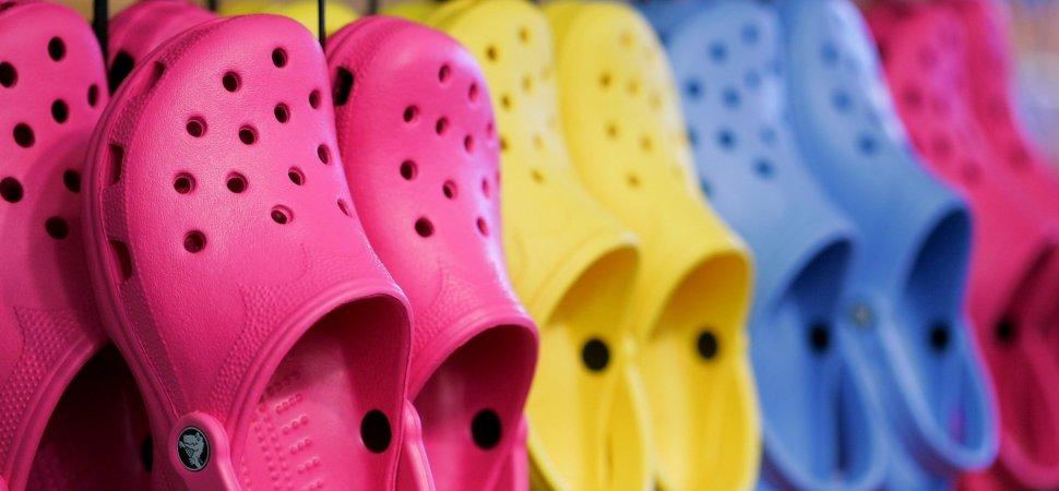 alkuun tuotemerkkejä Uudet tuotteet uusi kokoelma After Selling 300 Million Pairs of Shoes, Crocs Made a Bold ...