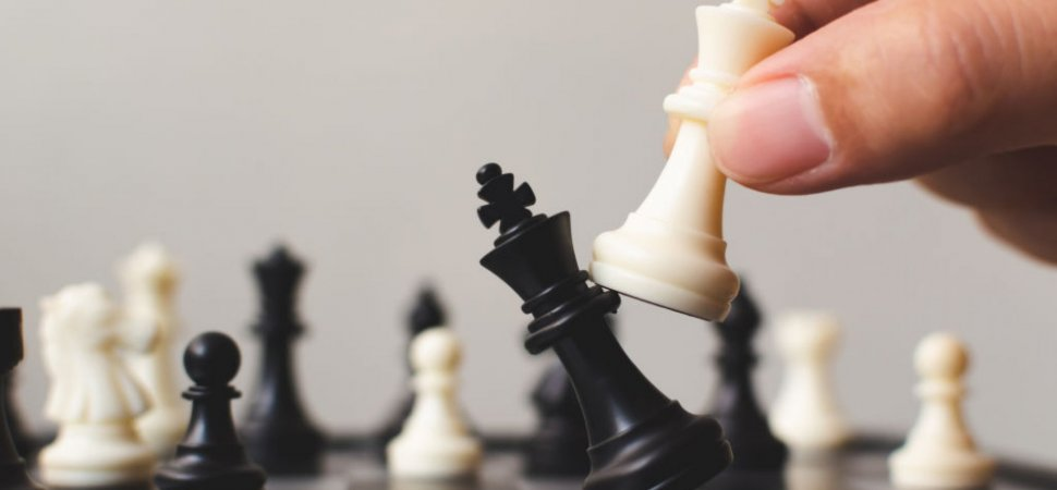 4 Critical Decisions to Win the Talent War image