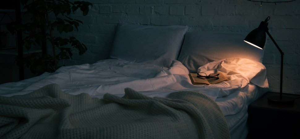 3 Simple Tricks to Fall Asleep Fast That Are Weird but Surprisingly Effective