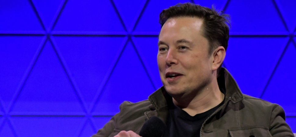 With 11 Short Words, Elon Musk Just Showed a Tiny Glimpse of Self-Awareness and Humility. (This Needs to Stop Right Now)