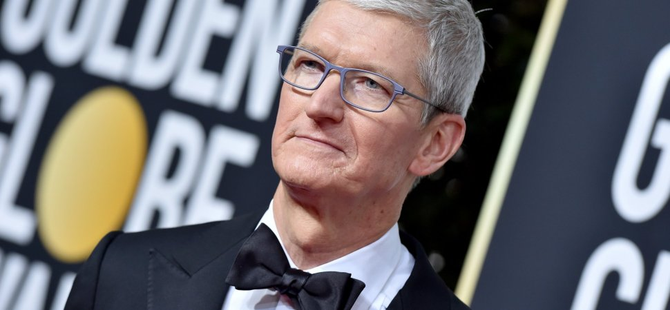 Ricky Gervais Joked About Apple 'Sweatshops' With Tim Cook in the Crowd at the Golden Globes