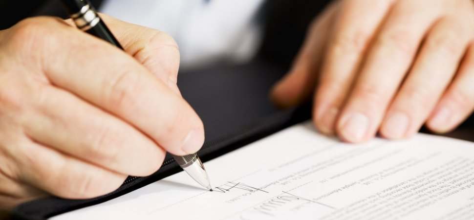 4 Things You Need To Know Before Asking A New Employee To Sign A